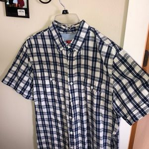 IZOD blue and white buttons down shirt